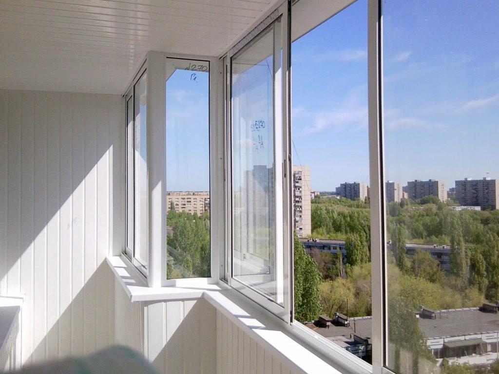 Заказать остекление балконов в Томске