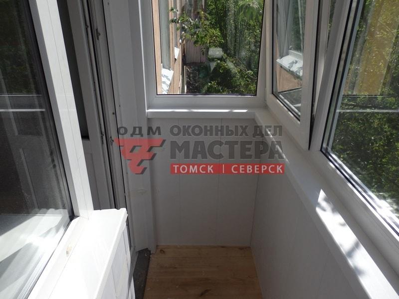 Остекление балкона в Томске